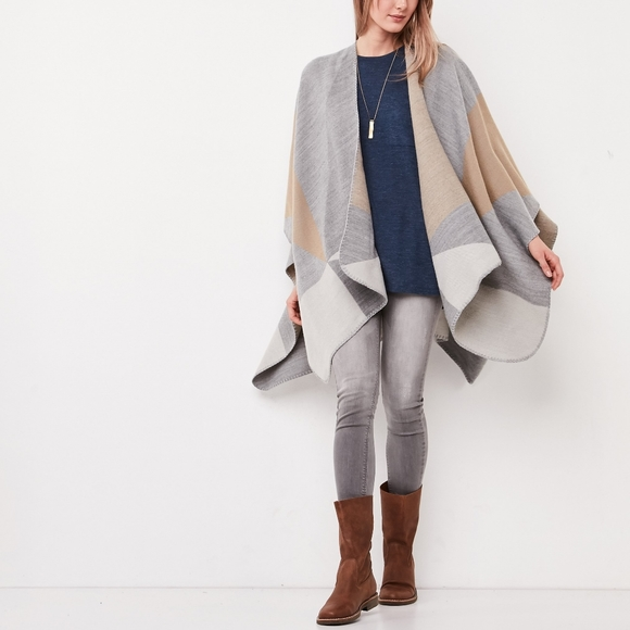 Roots Blanket Scarf poncho cape